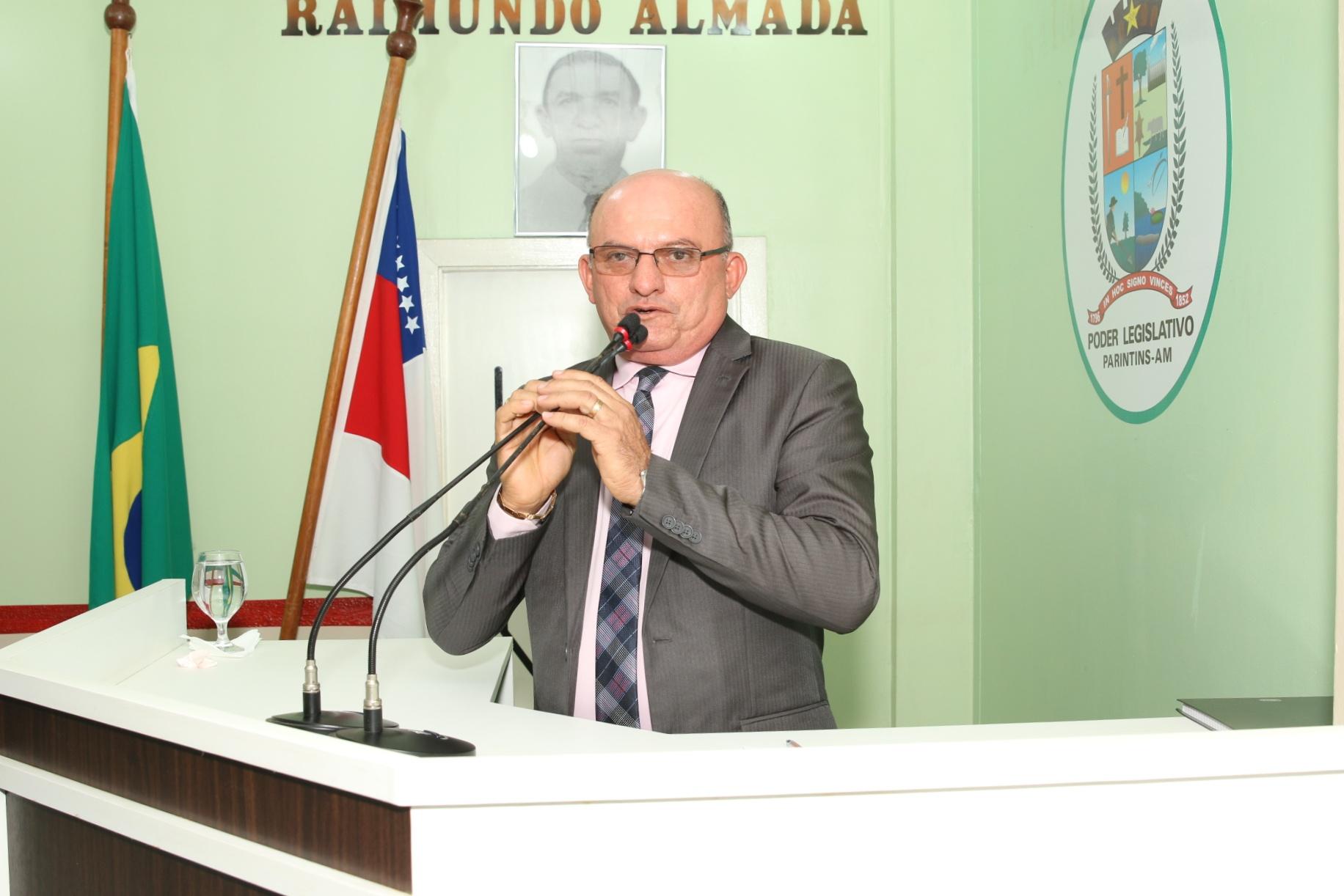 Cabo Linhares solicita Luminárias para Vila Amazônia e pagamento de hora extra para guarda municipais que vão atuar no Festival de Verão do Caburi