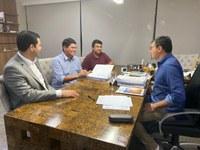 Investimentos para Parintins: Presidente da Câmara de Parintins participa de reunião com governador do Estado