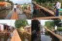 Mateus Assayag vistoria construção de ponte na Rua Coronel Barreto Batista e dialoga com moradores
