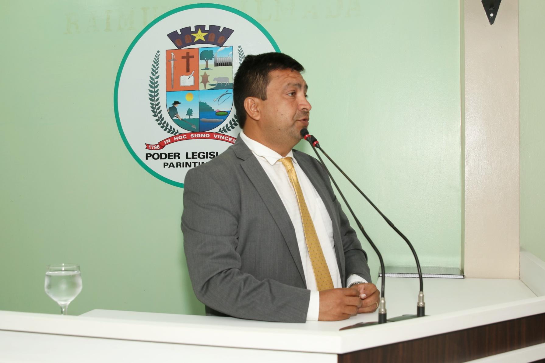 Presidente da Câmara propõe Equoterapia no Parque de Exposição de Parintins para auxiliar em tratamento terapêutico