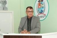 Tião Teixeira defende requerimentos para escolas de São Sebastião do Jará e do Boto