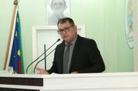 Tião Teixeira evidencia sequência de problemas no porto de Parintins