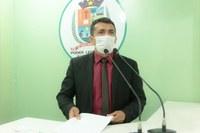 Vereador Beto solicita construção de escola na comunidade Araçatuba e critica prática de notícias falsas