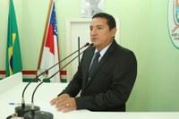 Vereador Gelson cobra conclusão de serviços asfálticos na Rua Gonçalves Maia