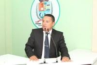 Vereador Gelson Moraes avalia distribuição de pescado